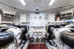 Lazzara 84 - La Balsita - Engine Room