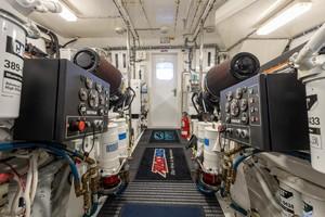 Hatteras 72 - Taz - Engine Room
