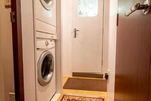 Hatteras 72 - Taz - Crew Laundry
