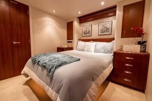 Hatteras 72 - Taz - VIP Stateroom