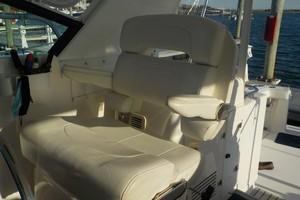 Tiara Yachts 43 - Sealady - Helm Seating