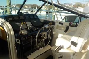 Tiara Yachts 43 - Sealady - Helm Station