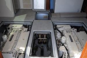 Bertram 35 - Joker II - Engine Room