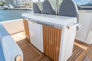 Azimut 36 - Veloce - Storage and Grill