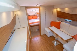 Azimut 36 - Veloce - Cabin Entry