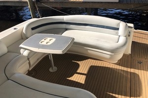 Sea Ray 42 - The Beat Goes On - Cockpit Seating