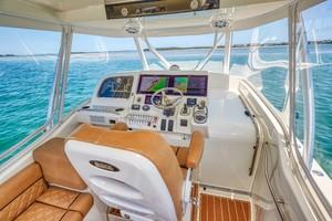 SeaVee 43 - Exit Strategy - Helm