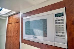 SeaVee 43 - Exit Strategy - Microwave