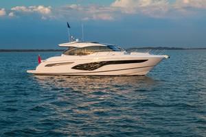 V60 Exterior White Hull 15