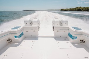 Prowler 42 - Aft Seating