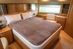 Fortis II is a Ferretti Yachts 881 Yacht For Sale in Cancun--26