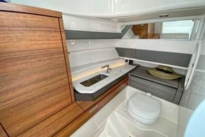 Tiara Yachts 34 - Head