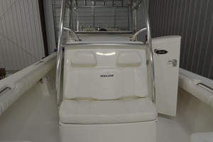 is a Regulator 34FS Yacht For Sale in Wrightsville Beach--13