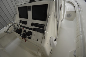 is a Regulator 34FS Yacht For Sale in Wrightsville Beach--10