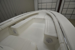is a Regulator 34FS Yacht For Sale in Wrightsville Beach--11