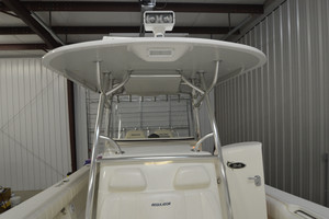 is a Regulator 34FS Yacht For Sale in Wrightsville Beach--12