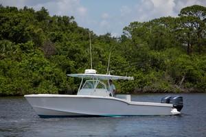 Ocean Master 33 - Exterior Profile