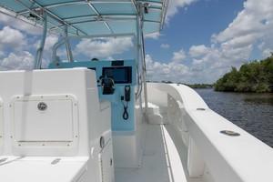 Ocean Master 33 - Passage way