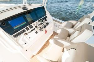 DIS IS IT is a Regulator 41 Yacht For Sale in Destin-2018 41 Regulator   Helm (2)-8