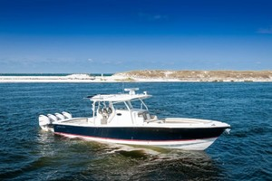 DIS IS IT is a Regulator 41 Yacht For Sale in Destin-2018 41 Regulator   Stbd Profile (3)-20