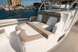 DIS IS IT is a Regulator 41 Yacht For Sale in Destin-2018 41 Regulator   Console Seat-13