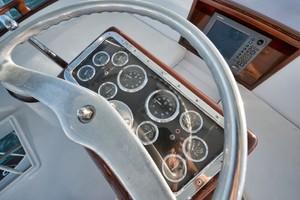 Rybovich 45 - Cygnet - helm steering