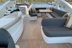 Trainera is a Sunseeker Manhatten 73 Yacht For Sale in Ixtapa--35