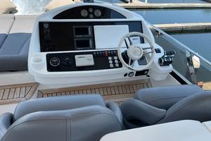 Trainera is a Sunseeker Manhatten 73 Yacht For Sale in Ixtapa--37