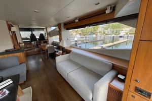 Trainera is a Sunseeker Manhatten 73 Yacht For Sale in Ixtapa--6