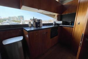 Trainera is a Sunseeker Manhatten 73 Yacht For Sale in Ixtapa--10