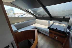 Trainera is a Sunseeker Manhatten 73 Yacht For Sale in Ixtapa--12