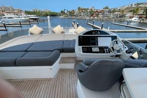 Trainera is a Sunseeker Manhatten 73 Yacht For Sale in Ixtapa--38