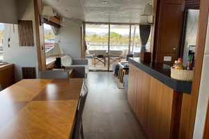 Trainera is a Sunseeker Manhatten 73 Yacht For Sale in Ixtapa--29
