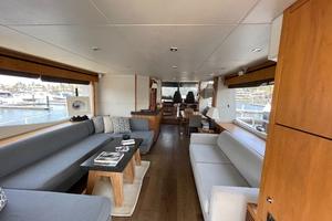 Trainera is a Sunseeker Manhatten 73 Yacht For Sale in Ixtapa--4