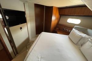Trainera is a Sunseeker Manhatten 73 Yacht For Sale in Ixtapa--19