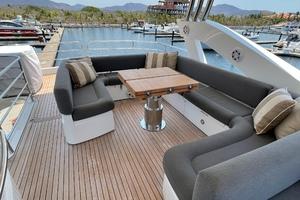 Trainera is a Sunseeker Manhatten 73 Yacht For Sale in Ixtapa--34
