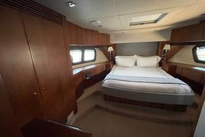 Trainera is a Sunseeker Manhatten 73 Yacht For Sale in Ixtapa--24