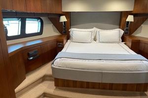 Trainera is a Sunseeker Manhatten 73 Yacht For Sale in Ixtapa--25