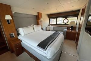 Trainera is a Sunseeker Manhatten 73 Yacht For Sale in Ixtapa--16