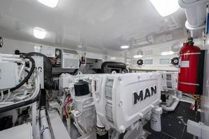 Viking 44 - Darlin Marlin - Engine Room