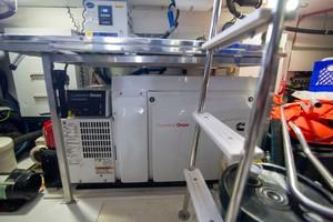 Azimut 66 - Lady M - Engine Room