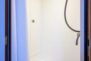 Jongert 78 - Fat Sheila - shower
