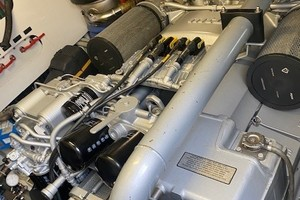 Pershing 64 - SoundView - Engine Room