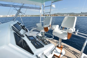 Cajun Queen is a Cabo 48 Convertible Yacht For Sale in Cabo San Lucas -2004 Cabo 48 Convertible -  Helm-18