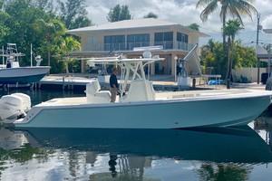 2020 32' SeaVee Starboard