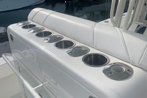 2020 32' SeaVee Captians Seat Rod Holders