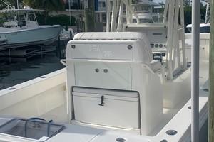 2020 32' SeaVee Stern Overview