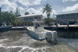 2020 32' SeaVee Stern Port