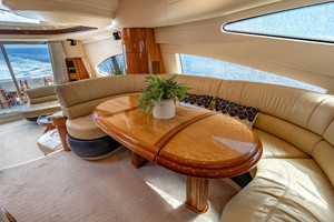 Azimut 68 - Forever - Galley/Dinette