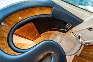 Azimut 68 - Forever - Staircase